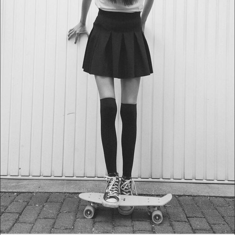 Юбки на худых ногах фото