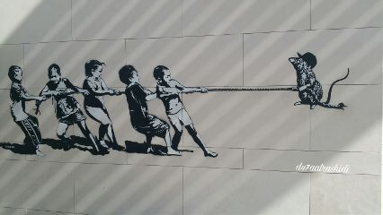 streetphotography graffiti paint dubai citywalk